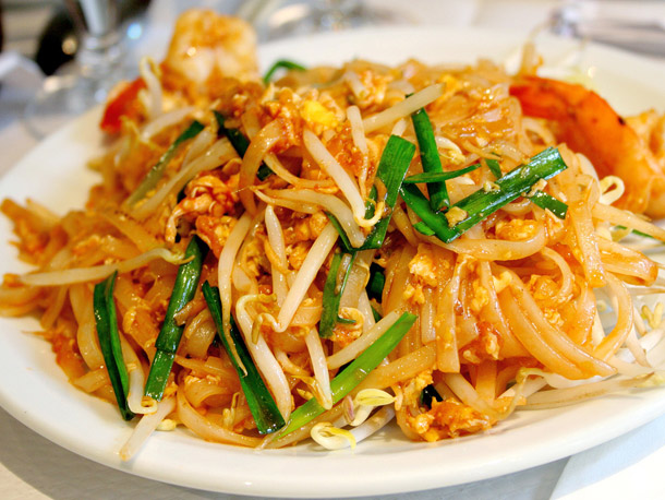 Thai Foods You MUST Try: Pad Thai