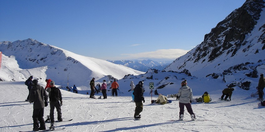 Queenstown, New Zealand: Ski/Snowboard The Remarkables and Coronet Peak