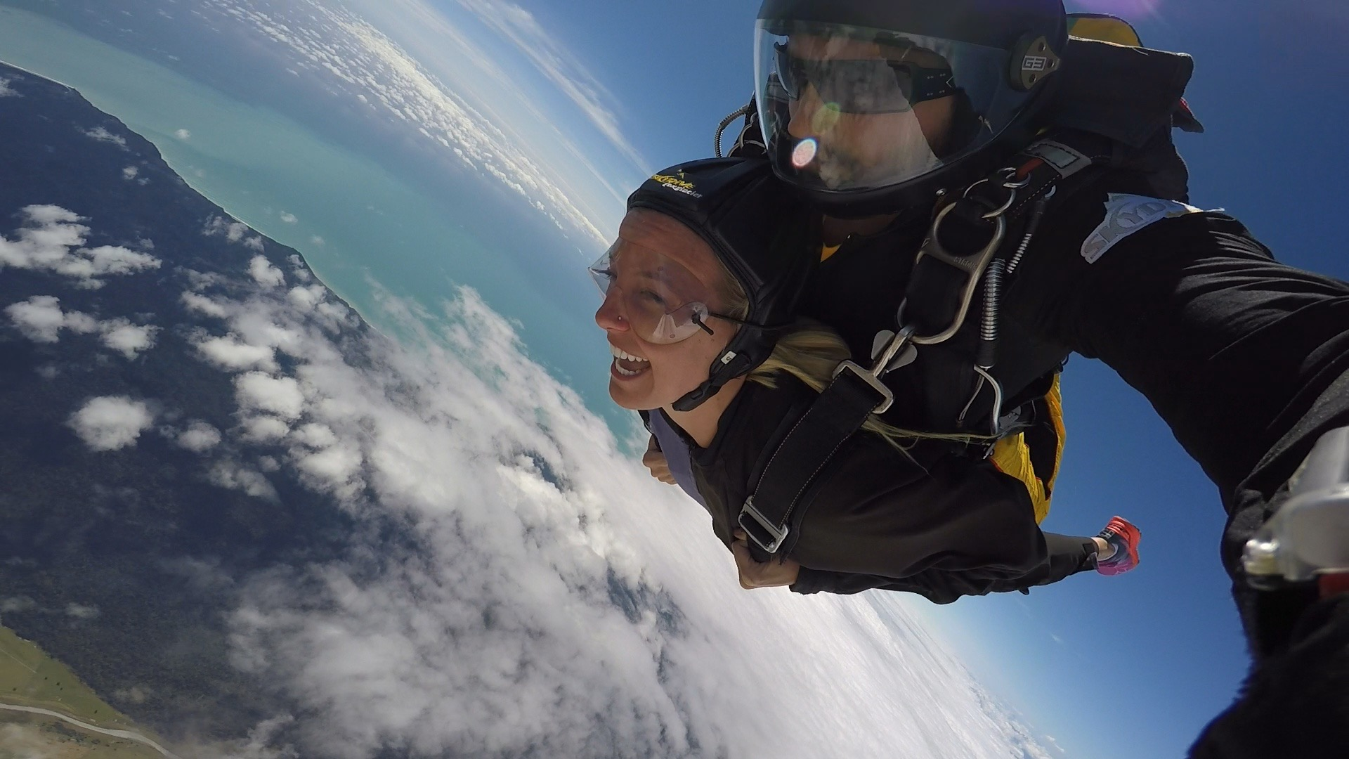 New Zealand: Unforgettable Skydiving Over Fox Glacier