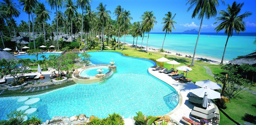 Phi Phi Island Village Beach Resort on Phi Phi Island, Thailand has it ALL for the perfect stay on the island!
