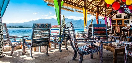 Sunrise Cafe on Gili Air, Indonesia offers up great drinks, epic views and delicious food