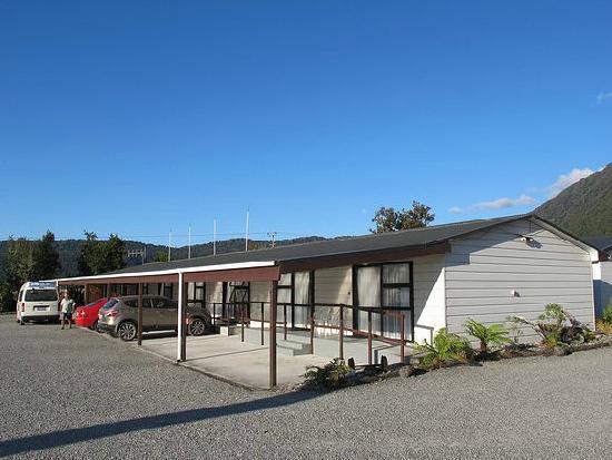 Where To Stay in Fox Glacier: Lake Matheson Motel