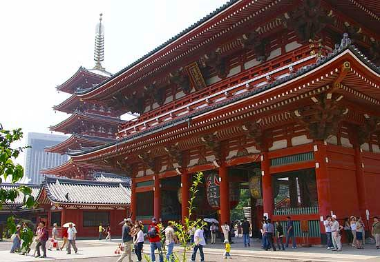 Tokyo, Japan is FULL of beautiful temples and Senso-Ji is certainly one of them you cannot miss!