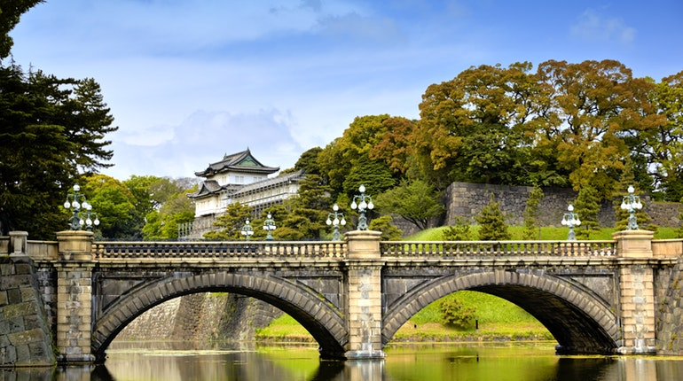 The Imperial Palace in Tokyo, Japan is a must see when visiting the city!