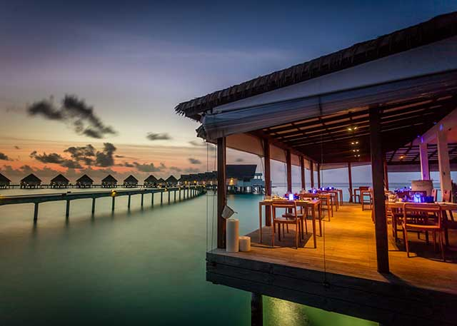 Azzurri Mare at Centara Grand Island Resort And Spa, Maldives offers delicious, fresh Italian food with beautiful views and live entertainment!