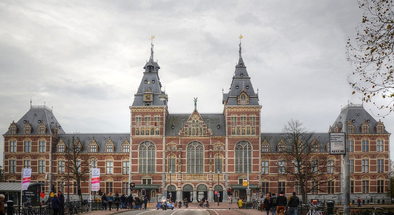 Rijksmuseumin Amsterdam, Netherlands is a must see from both the inside and out!